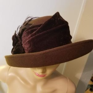 100% wool felt roaring '20s style hat brown